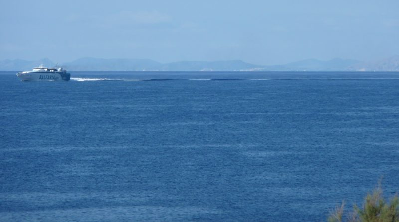Balearia - buque Fast Ferry Barcelona-Ciutadella