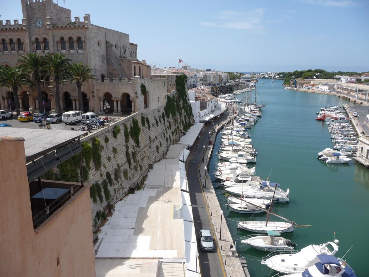 cas consol ciutadella terraza puerto