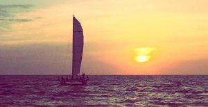 Puesta de sol desde catamarán