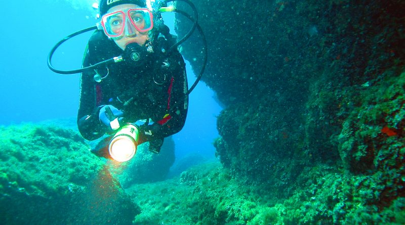 Buceo en Poseidon Diving Center - Santandria