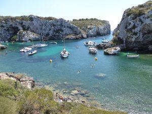 Bañistas en Cales Coves - P1000406